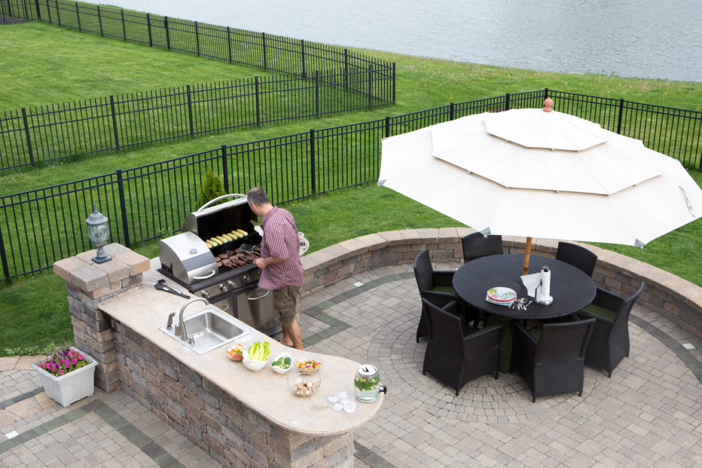 Outdoor Fireplace & Kitchen